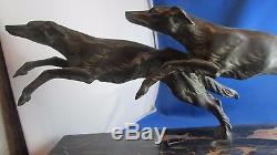 Ancien sculpture statue bronze art deco 1930 chien levrier signé daverny