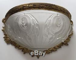 Ancienne applique Art Deco en bronze et verre moulé, muller, hettier