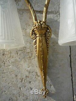 Applique Art Deco A Monture Bronze A Deux Tulipes De Lustre Muller Freres 1930