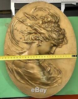 Bas Relief En Bronze Plaque Ovale Femme Art Nouveau Deco