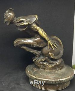 Belle Mascotte Automobile DIABLE dans la vitesse bronze art deco