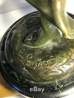 Bronze Art Déco Danseuse sur un pied signée E Cavacos (1885-1976)