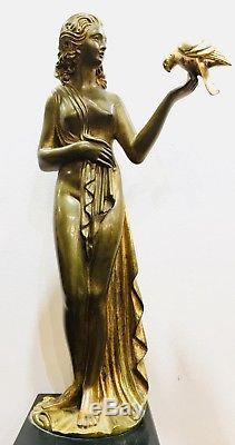Femme A La Perruche Bronze Art Deco Signée D. H Chiparus