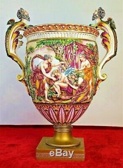 Grand Vase. Porcelaine Émaillée Capodimonte. Base De Bronze. Italie Circa 1920