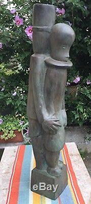 Grande sculpture en bronze Art Deco vers 1950 1960. Numerotée sur la terrasse