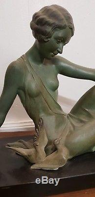 Grande statue signée GODARD art déco patine bronze 1930 femme marbre oiseaux