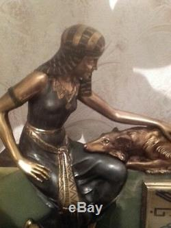 Importante pendule art déco en onyx et bronze Chiparus, Godard, Lemo