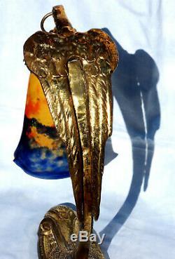 Jolie lampe aigle en bronze tulipe MULLER, modèle Ranc, era daum galle 1900