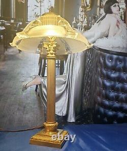 Lampe Art Déco Art Nouveau Verre Moulé Bronze ou Laiton