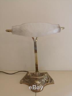 Lampe En Bronze Art Deco / Art Nouveau. Tulipe En Pate De Verre