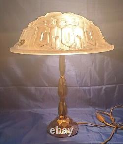 Lampe Époque Art-Déco Bronze Où Laiton Verre Moulé Signé Degué