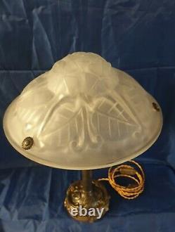 Lampe Époque Art-Déco Pied En Bronze Où Laiton Verre Moulé Signé Degué