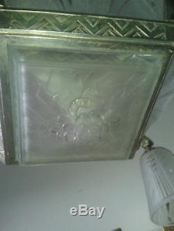Lustre Art Deco Signe Muller Luneville En Bronze Argente Et Verre Moule