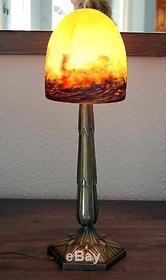 MAGNIFIQUE EST GRANDE LAMPE ART DECO ANCIENNE, BRONZE PATE DE VERRE SIGNE DEGUE