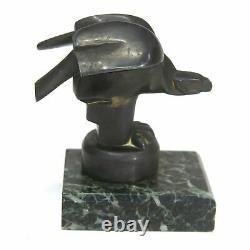 Mascotte en métal représentant un milan stylisé d'époque Art Déco