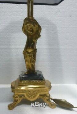 Paire de jolies lampes en bronze doré angelots putti début XXème siècle