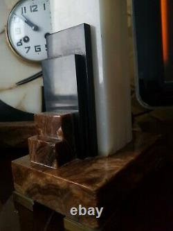 Pendule Horloge Art Déco Marbre Et Bronze Signé F. H Danvin