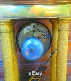 Pendule à colonnes empire en Bronze uhr clock portique