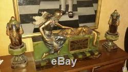 Pendule art déco en onyx et bronze