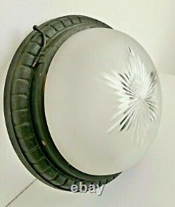 Plafonnier / lustre lampe art déco bronze et verre dépoli taillé hublot signé