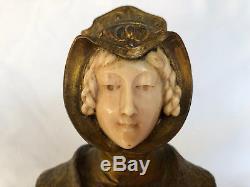R Marques Sujet Chryselephantine En Bronze Dore Reine De France Art Deco C1239