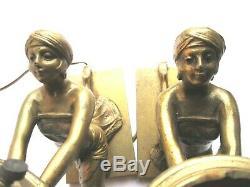 RARE 2 lampes de table bronze, ART DECO, Femme égyptienne tenant la lumière