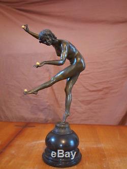 Sculpture bronze jongleuse Art deco signé Colinet statue nue