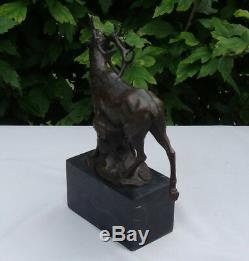 Statue Cerf Chasse Style Art Deco Style Art Nouveau Bronze massif Signe