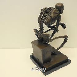 Statue Le penseur Grand Squelette Style Art Deco Style Art Nouveau Bronze massif