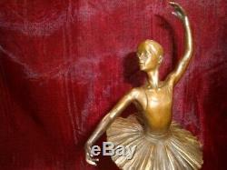 Statue Sculpture Danseuse Style Art Deco Style Art Nouveau Bronze massif Signe