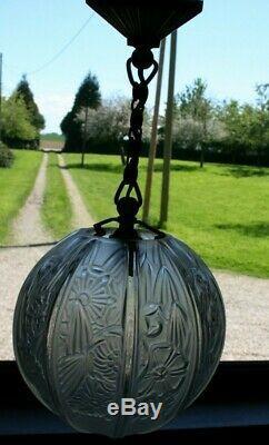Superbe lustre plafonnier en bronze globe art déco