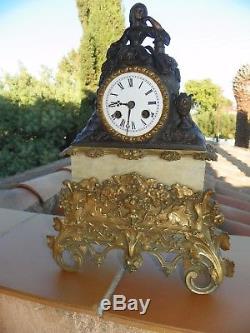 Tres Belle Pendule Marbre Et Bronze Mouvement A Fil