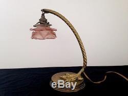 Très belle lampe ART DECO en bronze et tulipe en pâte de verre