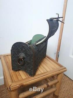 Vers l'an 1480 Max Le Verrier coffre Coffret en Bronze Art Déco TBE 4200g